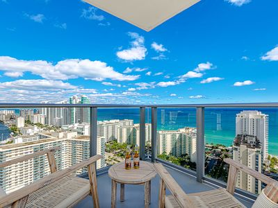 Photo for 5 ⭐️ AMENITIES Luxury 2BR. FRONT Ocean & Bay VIEW