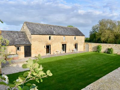 Photo for 2 bedroom Barn in Chipping Campden - 58197
