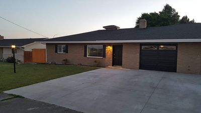 Photo for Bright, Modern West Valley Oasis