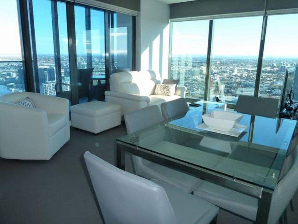 MAGNIFICENT VIEWS CBD To Docklands & Bay