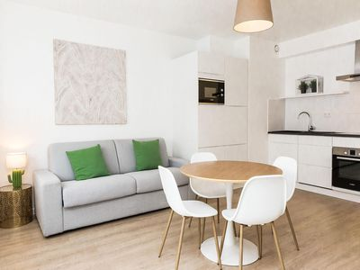 Photo for Rachele 35 apartment in European Quarter with WiFi, balcony & lift.