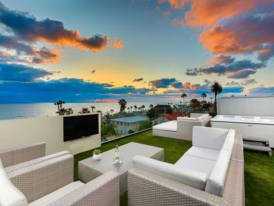 20% OFF OCT - Modern Home w/ Expansive Ocean Views, Private Deck