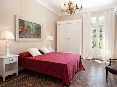 Photo for Trendy, cool 4BR apartment Eixample
