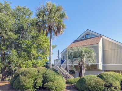 Photo for Tranquil Lagoon and Golf  Course Views! Amenity Cards! Close to Beach! Pets!