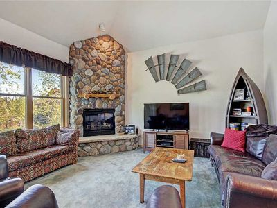 Photo for Spacious condo, Outdoor hot tubs, Walk to lifts, Free garage parking!