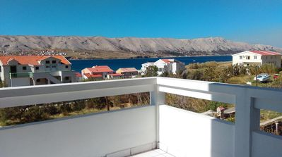 Photo for Two bedroom apartment with balcony and sea view Pag