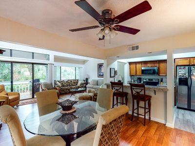 Photo for Charming, family-friendly condo w/ private deck - close to golf & the beach!