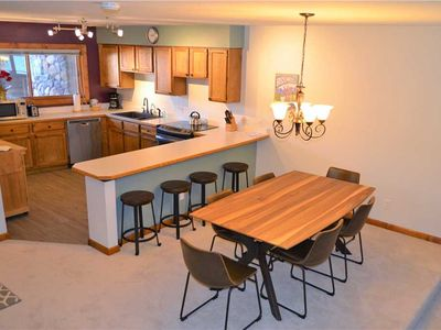 Photo for Wonderful 2 Bed, 2 Bath Condo- Walking Distance from the Slopes and Downtown