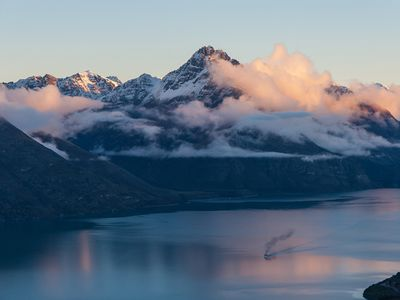 Photo for Luxury 4 Bedroom Villa with Majestic views of Lake Wakatipu, Villa Queenstown 1020