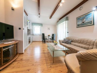 Photo for Holiday apartment Perci for 4 persons with 2 bedrooms - Holiday apartment in one or multi-family hou