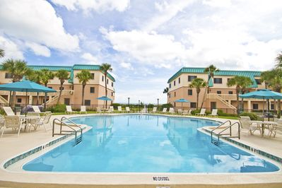 Oceanfront Pool! - The ocean is just a few steps away from Sea Haven community pool. Spend a few hours boogie boarding in the waves before heading back to the calm waters of the pool.