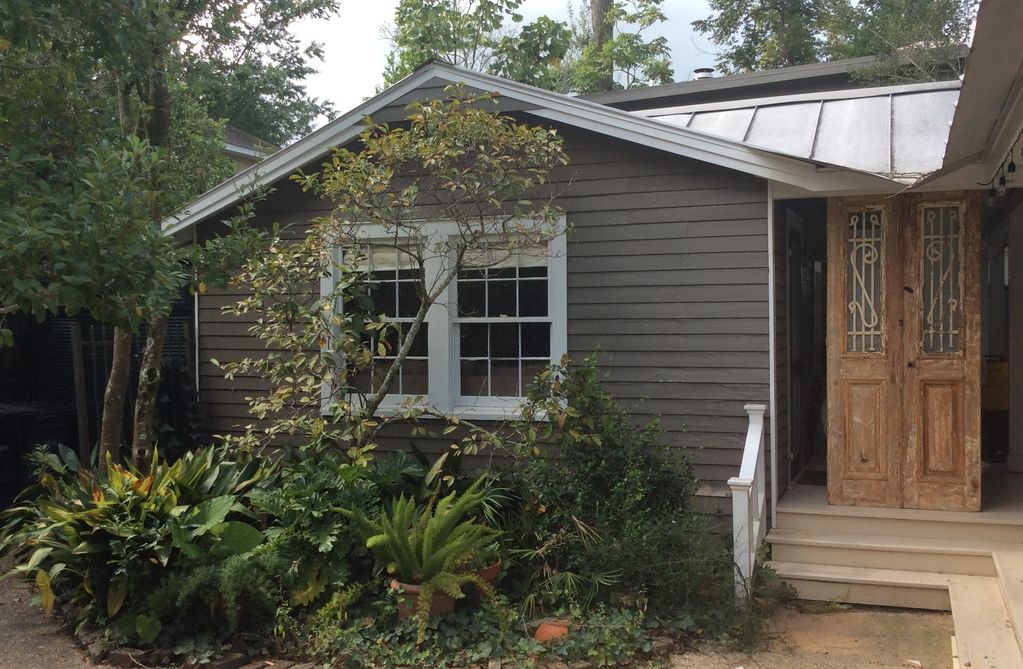 Clean & Cozy Cottage 2 Blocks From LSU