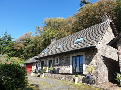 Photo for Charming 4-bedroom cottage with fabulous sea views and large grounds.