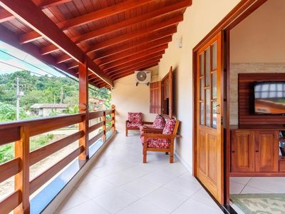 Photo for Holiday house in Paraty with air conditioning, wifi, Smart TVs and kitchen.