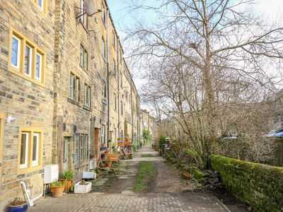 Photo for Riverview Cottage, HOLMFIRTH