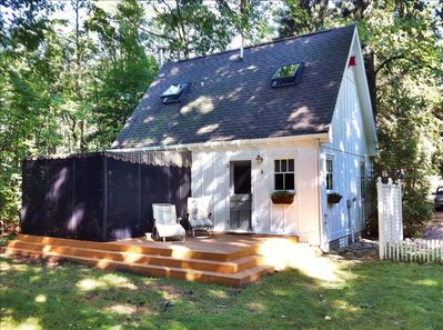Perfect for Two! A little hideaway in the woods. Tiny ...