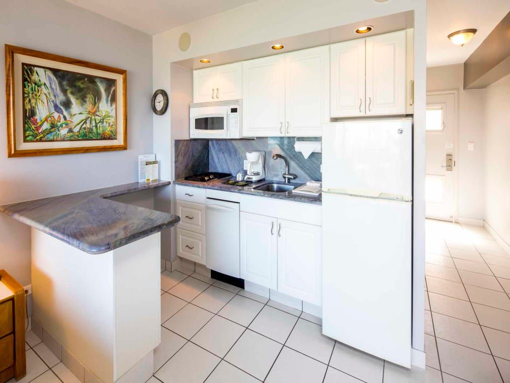 Bright Ocean View! A/C, Kitchenette, WiFi, Flat Screen+ More ...