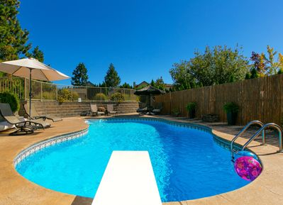 Seasonal pool, please check with owner for exact opening and closing dates