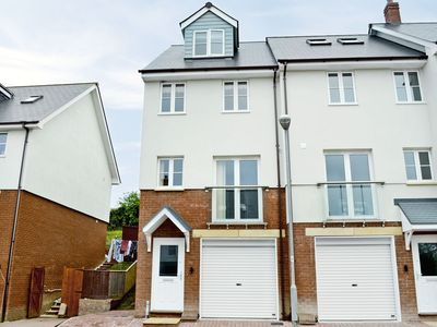 Photo for 3 bedroom property in Watchet.