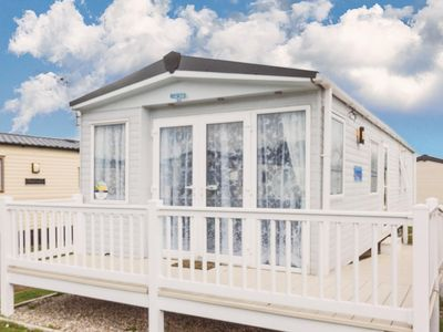 Photo for Platinum caravan for hire at Seashore Haven, Great Yarmouth. Close to the beach.