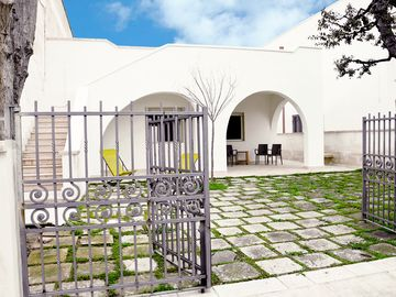 Search 922 holiday rentals