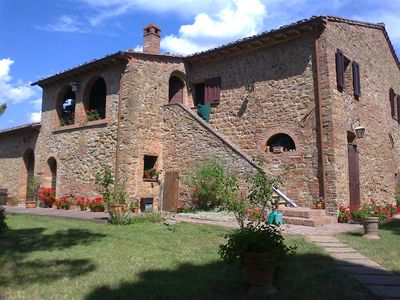Photo for Lovely old farmhouse (1653) in the heart of Tuscany, panoramic view, for 2-4 p.