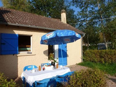Photo for Summer house in childfriendly park, located in Bourgogne