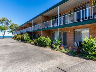 Photo for Comfy Ground Floor Unit Opposite Waterfront! Welsby Pde, Bongaree