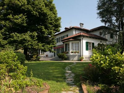 Photo for Vicenza Villa, Sleeps 12 with Pool, Air Con and WiFi