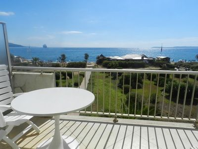 "Photo for - 20% UNTIL 6 JULY - T2 with beautiful sea view, ""feet in the water""!"
