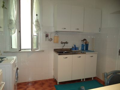 Photo for Comfortable apartment with terrace near the Cinque Terre