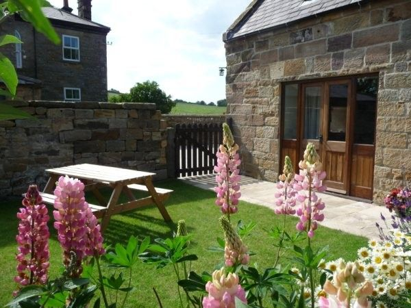 Thresher Cottage Tranquil 3 Bedroom Cottage With Garden In North Yorkhire 1034213