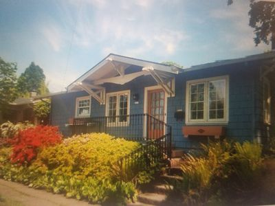 Photo for Charming cottage in Super Hot SE Neighborhood.  Walk to everything!