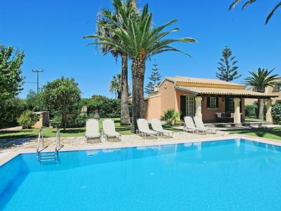 Photo for Villa Angelos: Welcoming villa with private pool set a few staps away from sandy beach