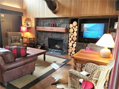 Photo for 7 Meadow House: 2 BR / 2 BA condo in Sunriver, Sleeps 6