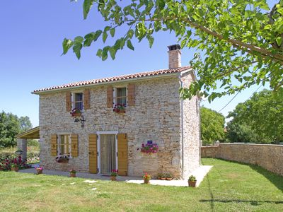 Photo for Holiday cottage Valverana * fenced garden, free WiFi, only 2.5 km to the sea