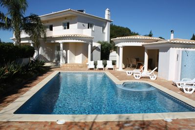 Fantastic Villa with Solar Heated Pool and Poolside Kitchen and Dining Area