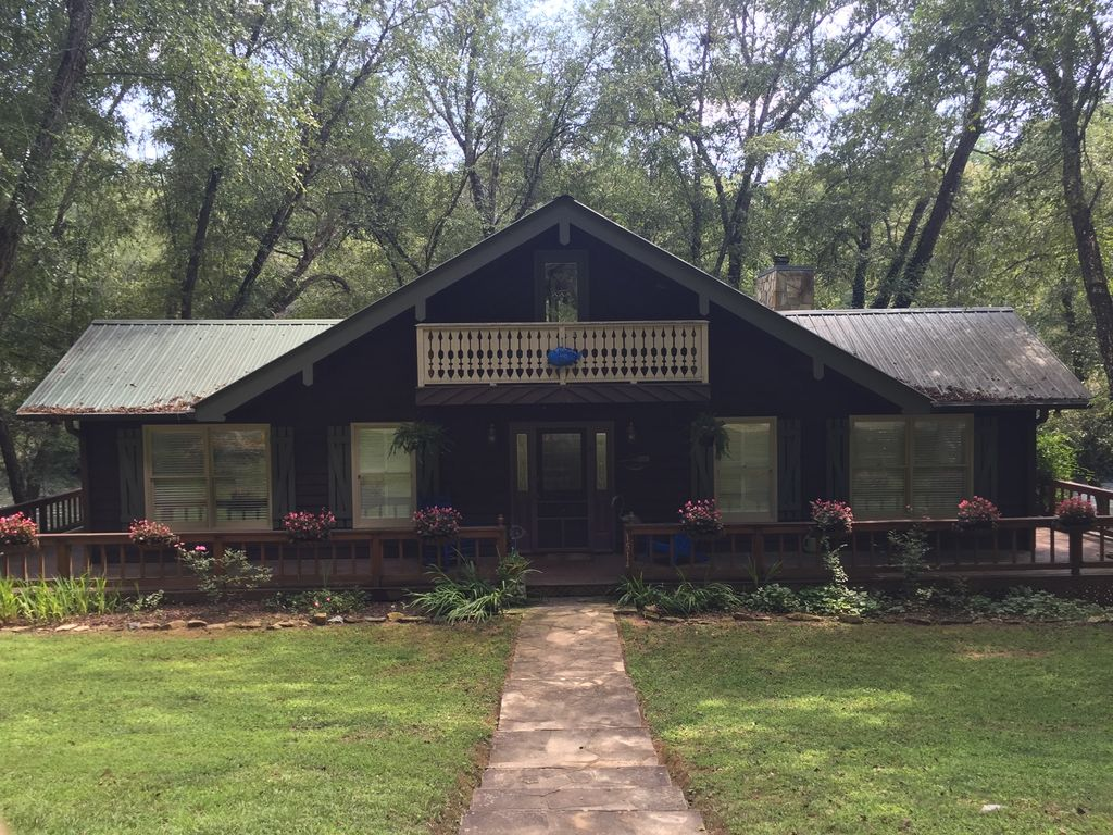 Perfect Time To Go To Cabin Directly On Toccoa River Near Blue Ridge Ga 2 Br Vacation Cabin