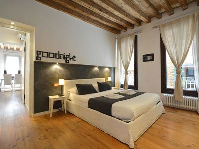 Photo for Apartment 600 m from Basilica San Marco, Free WiFi available