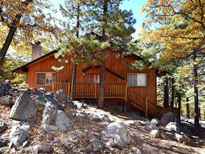 Aspen Forest: Close to Bear Mtn! Walk to the National Forest! Lake Views! Foosball!