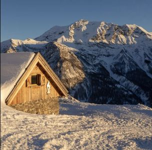 Photo for Alpine chalet atypical