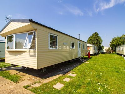 Photo for 8 berth mobile home at Seawick holiday park in Essex ref 27071