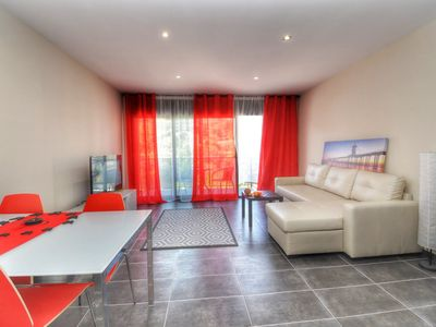 Photo for Holiday rental in Lloret - Nice apartment 100 meters from the beach, with air conditioning, wifi, parking, terrace, communal pool