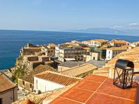 excellent apartment very convenient i picturesque southern Italian beach village