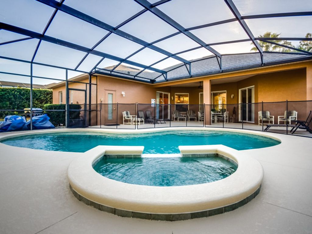 Wheelchair Accessible/Roll In Shower, Private Luxury Holiday Retreat ...