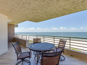 Remodeled - Luxurious Direct Beachfront Somerset Condo-with Den sleeping area