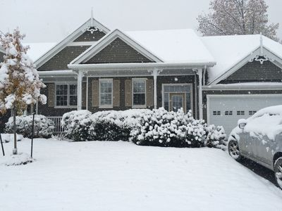 Photo for Bright rennovated 5 Bedroom Townhouse on Golf Course