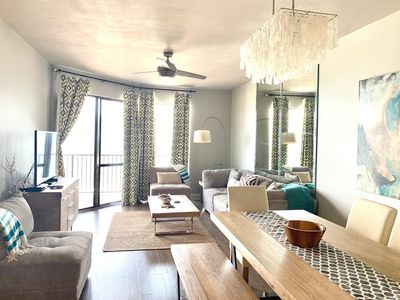 2-BEDROOM MODERN BEACHFRONT REMODEL WITH STUNNING VIEWS!!
