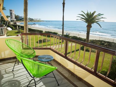Photo for Stunning 1 bedroom apartment facing the sea