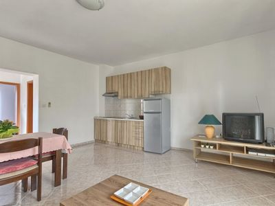Photo for Apartment in Pula with Internet, Air conditioning, Terrace (634940)